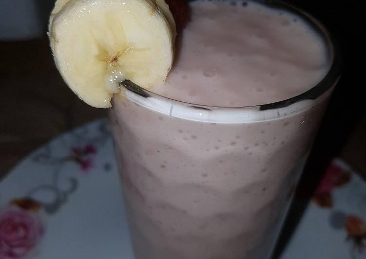 Steps to Prepare Homemade Strawberry banana smoothie