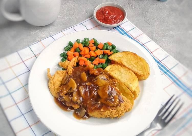 Crispy chicken steak with mushroom sauce