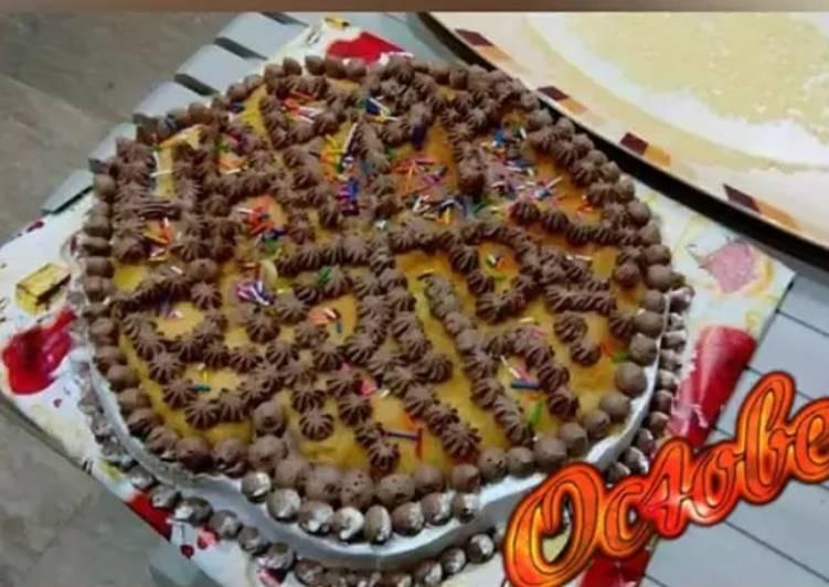 Happy birthday pastry cake