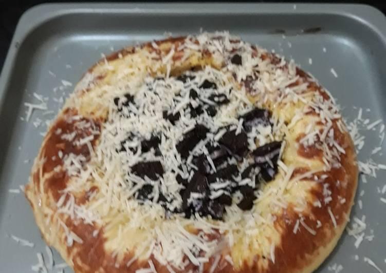 Resep Pizza Oreo Keju no Pisang, Enak