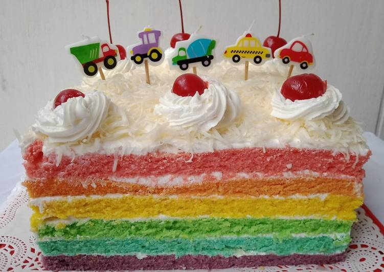 Rainbow Cake Kukus Topping Keju Dengan Buttercream