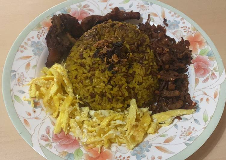 Nasi Kuning Beras Merah Enak Magic com - cookandrecipe.com