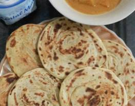 Roti Canai kuah kari / Roti Maryam / roti pratha
