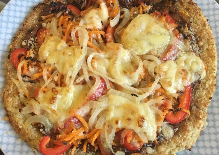 Thai cauliflower pizza with satay sauce base