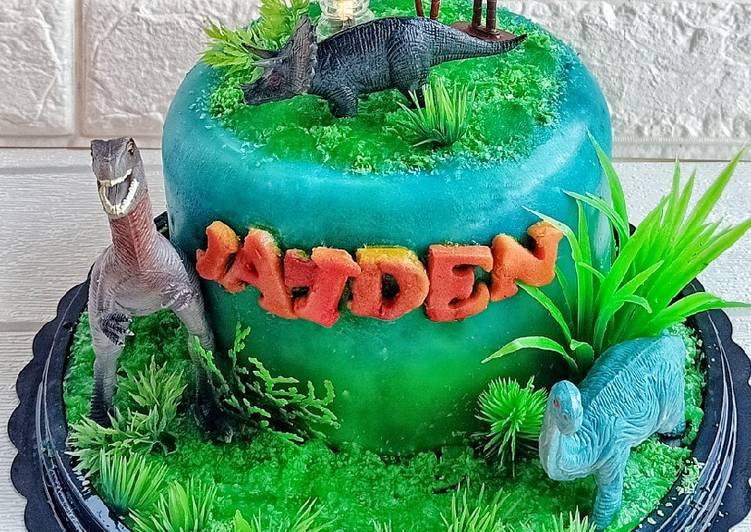 Dinosaur Birthday Pudding