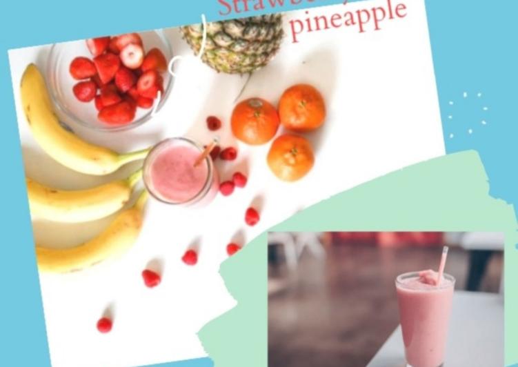 Strawberry, banana & pineapple smoothie