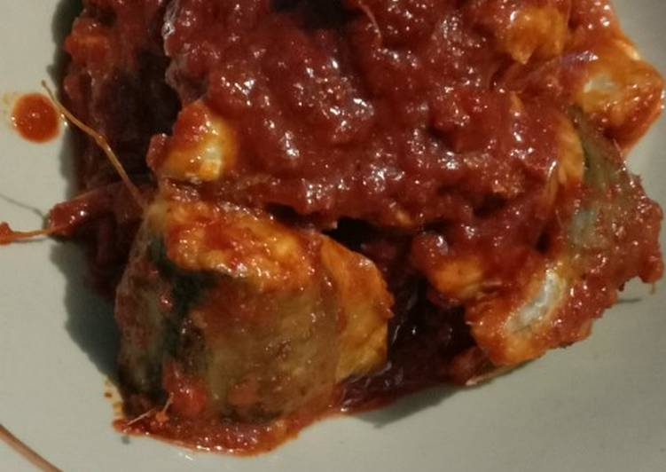 Ikan tongkol bumbu sambal