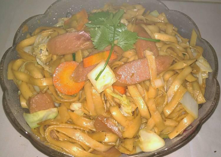Resep Kwetiau Goreng Sederhana Oleh Yulismufidah Cookpad