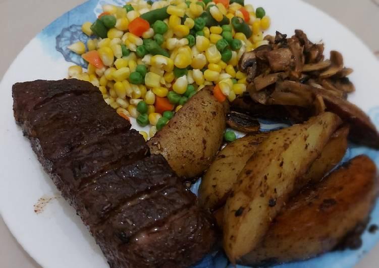 Beef Steak with Potato Wedges