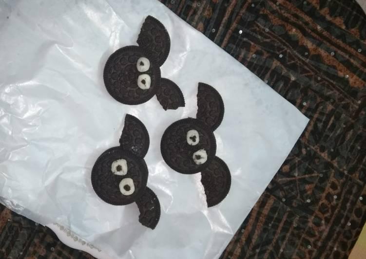 Spooky Halloween Bat bites