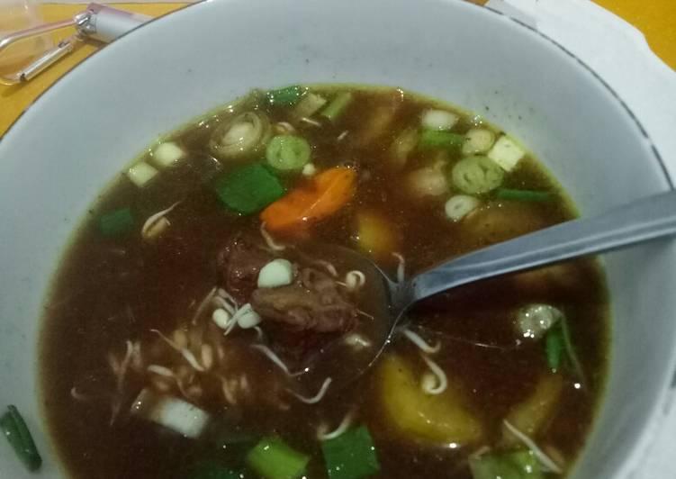 Rawon daging sapi (kluwek)