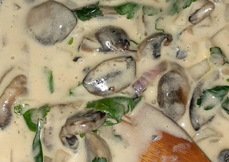 Recipe of Ultimate Creamy Garlic Mushrooms