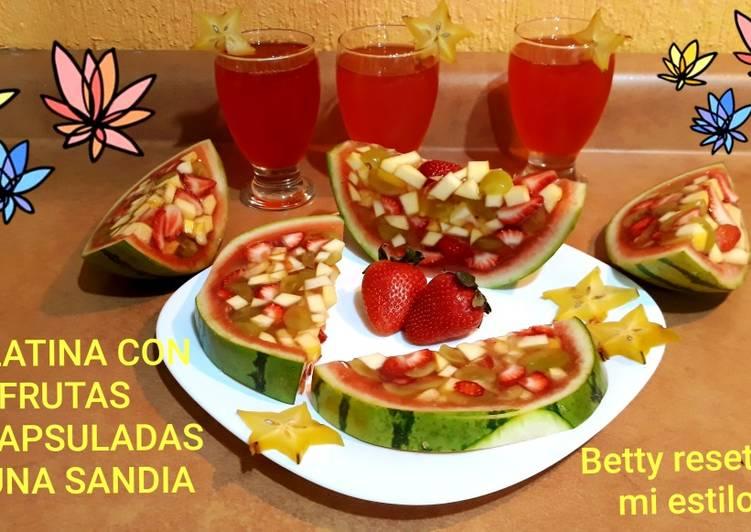 Gelatina Con Frutas Encapsuladas En Una Sandía Receta De