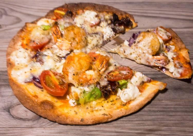 Schnelle mediterrane Garnelen-Pizza