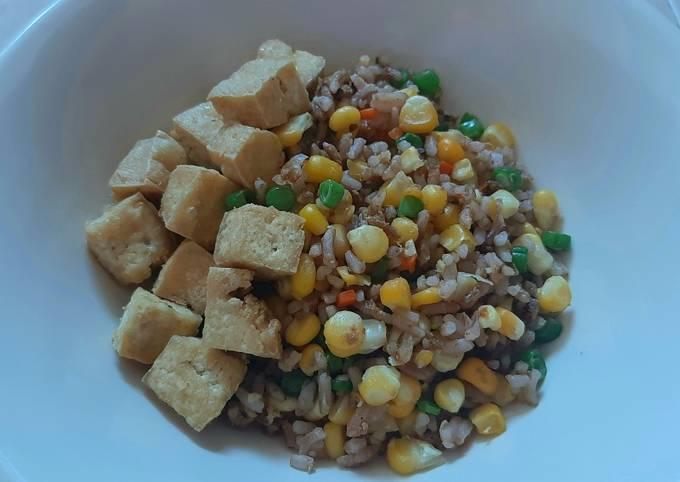Nasi merah goreng rendah kalori