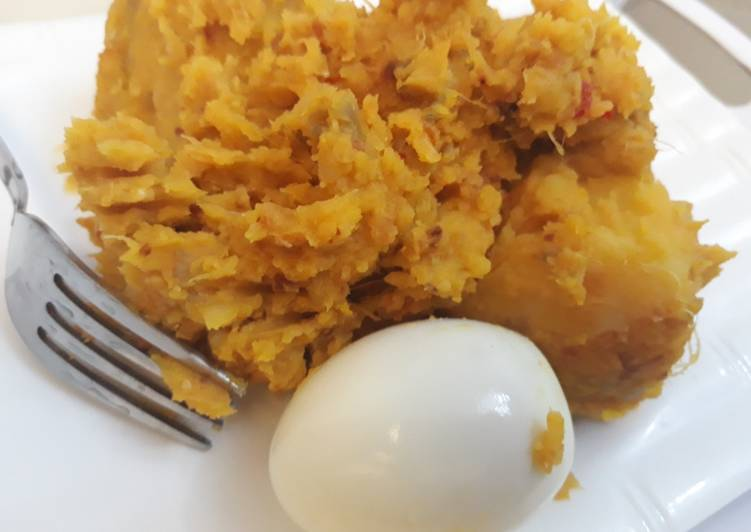 Best Comfort Dinner Easy Blends Yam porriage with boiled egg