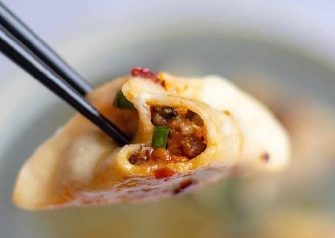 Wild garlic and mushrooms dumpling 🥟