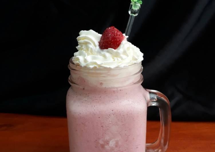 Starbucks Strawberries&Creme Frappuccino