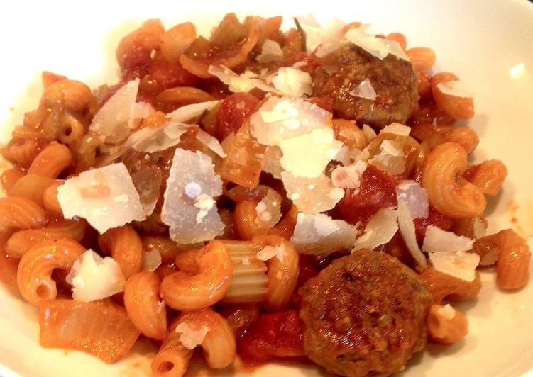 One Pot Pasta with Meatballs