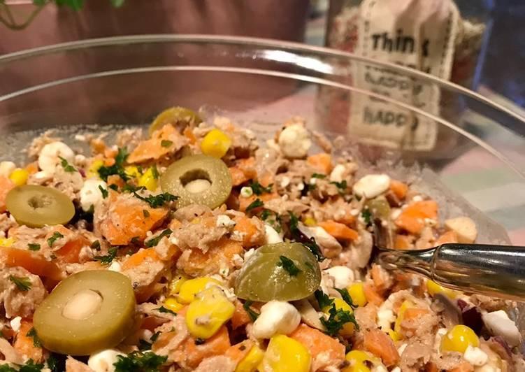 Thunfischsalat mit Möhren und körnigem Frischkäse