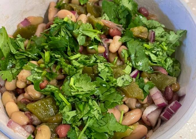 Three Bean Salad With Roasted Green Peppers 