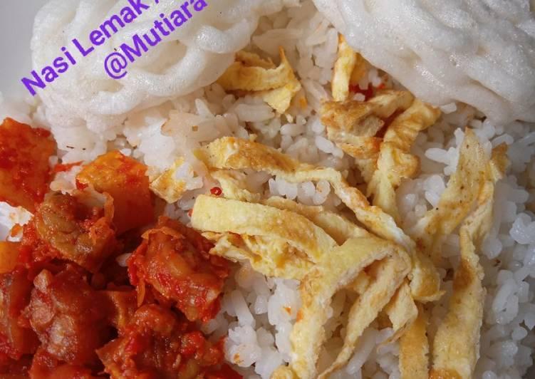 Nasi Lemak / Nasi Uduk rice cooker ala Mommy