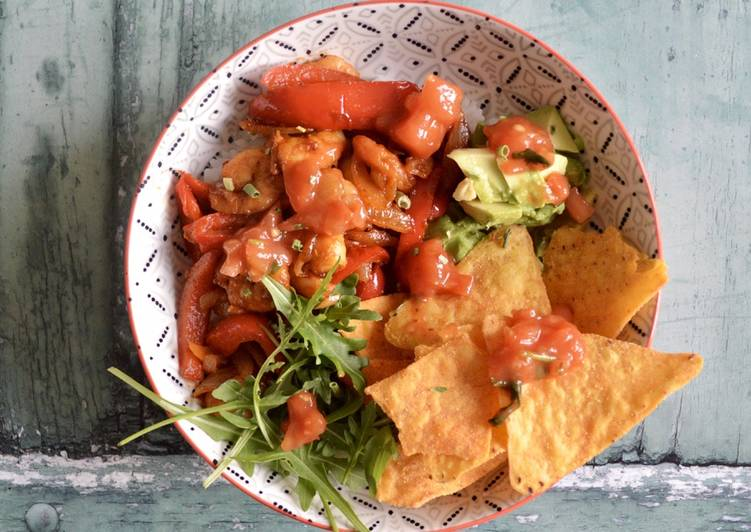 How to Make Appetizing Prawn Fajita Bowls