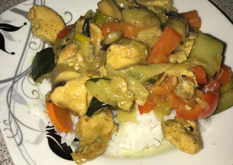 Kurczak po chińsku z czosnkiem, pieczarkami i grzybami MUN