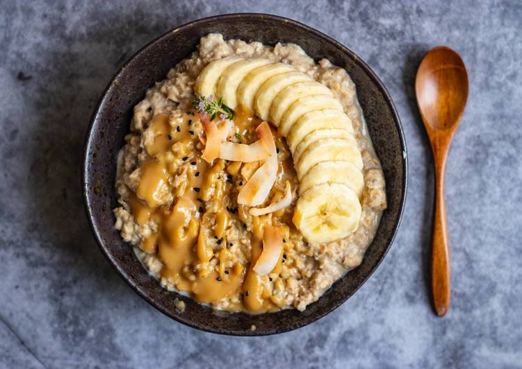 Steps to Prepare Perfect Peanut butter and banana protein oatmeal 🥣💪🏻