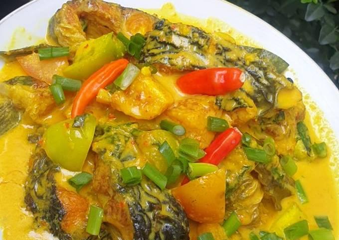 Resep Ikan Patin Bumbu Kuning Kemangi Anti Gagal Resep Ikan Oma