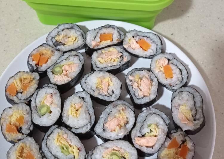 nasi-gulung-salmon