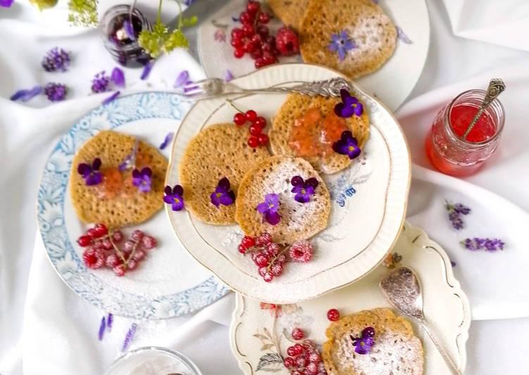 Blinis oder Buchweizen-Pfannkuchen