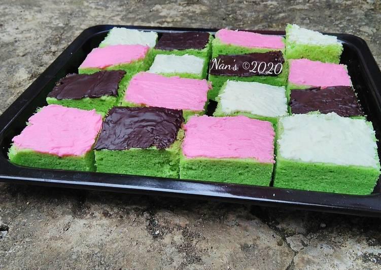 Cake potong kukus (bolu pandan) - cookandrecipe.com
