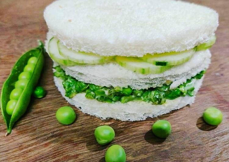 Peas chilli cucumber mayo Sandwich