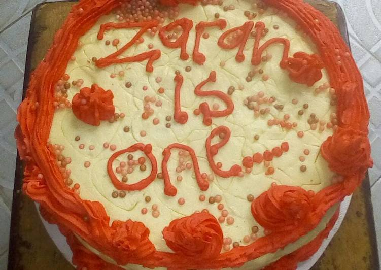 Recipe of Top-Rated Buttercream and icing birthday cake