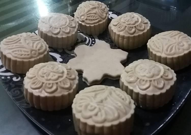 180. Snowskin mooncake isi mochi bunga telang