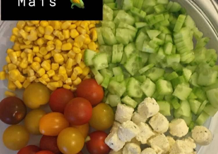 Façon la plus simple Faire Appétissant Salade concombre, tomate, maïs et boursin