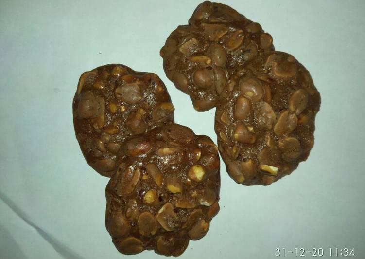 Kue kacang ovalti