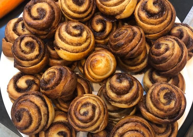 Recipe of Speedy Cinnamon Buns
