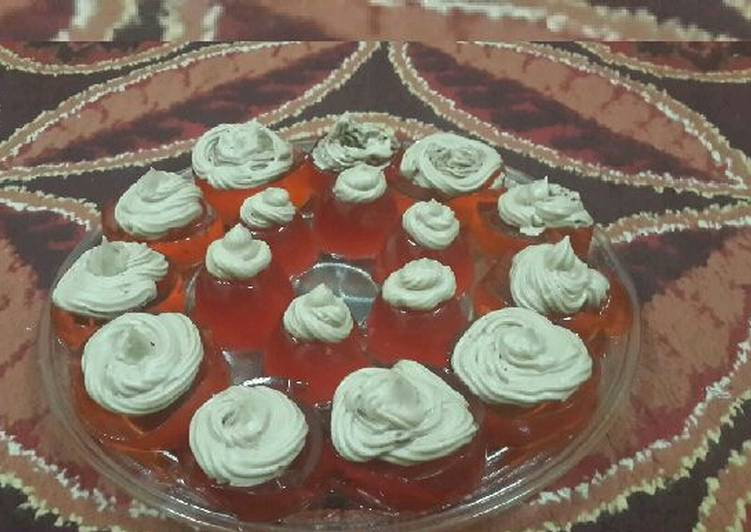 Jelly Crystal Cupcakes with Buttercream Frosting