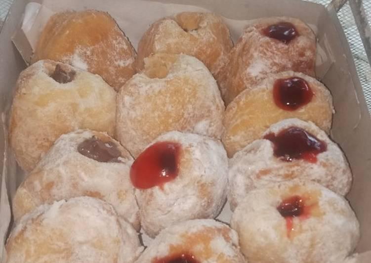 Bomboloni donuts