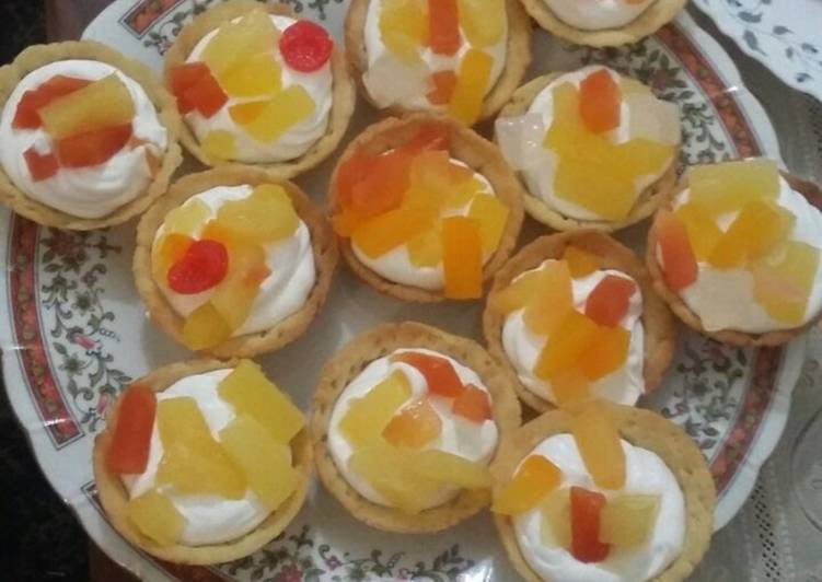 Creamy cocktail tarts