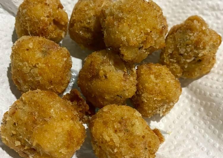 bitter-ballen-macaroni