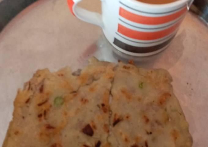 Suji ka chilla and tea