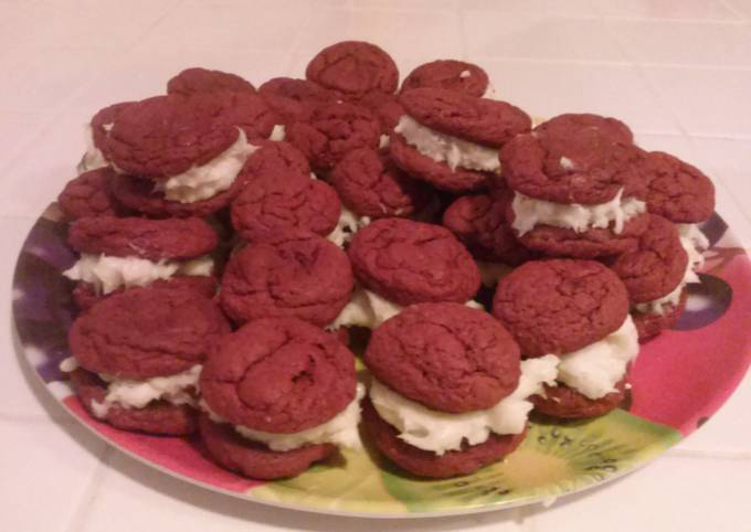 Easiest Way to Prepare Delicious Red Velvet Cookies With Cream Cheese Frosting