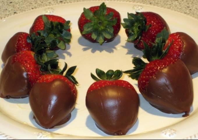 Chocolate vodka strawberries