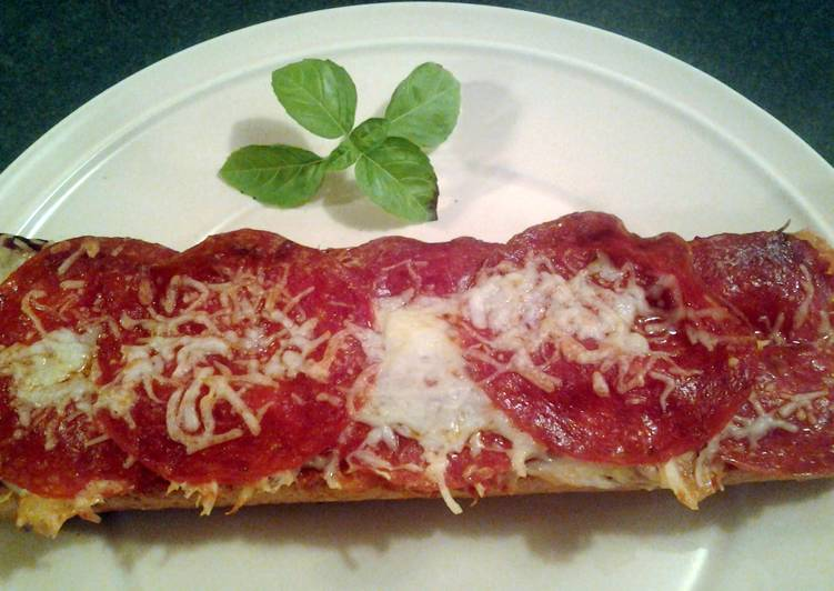 Step-by-Step Guide to Prepare Homemade Garlic loaf pepperoni pizza