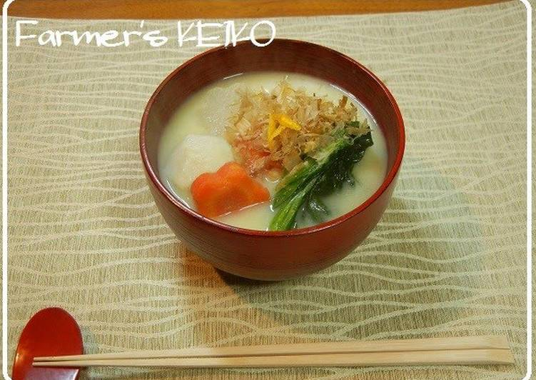 Easiest Way to Make Any-night-of-the-week [Farmhouse Recipe] Ozōni Mochi Soup (with Kyoto-Style White Miso)