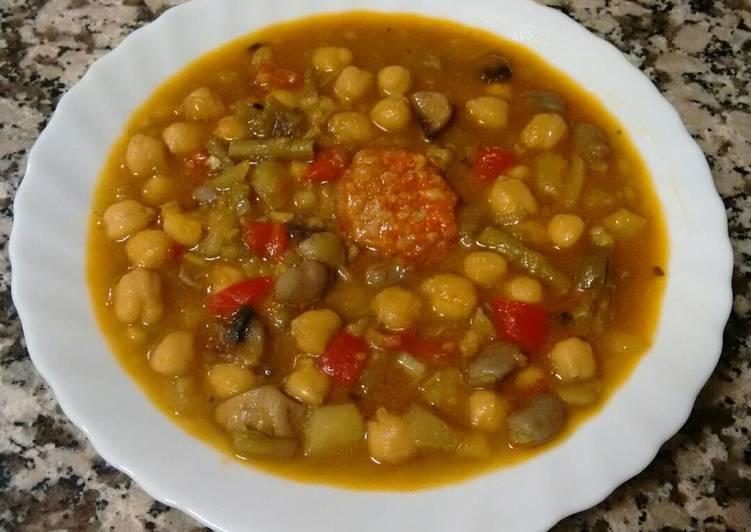 Garbanzos De Bote Con Verduras Y Chorizo Receta De Rosario Cookpad