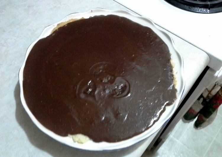 Recipe of Homemade chocolate meringue pie